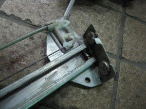 レギュレーターのワイヤーが、とても弱いロードスター。